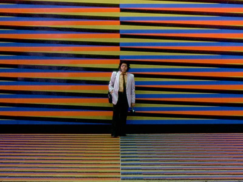 mura-cinetico-carlos-cruz-diez-aeropuerto-geometricarte-cinetismo